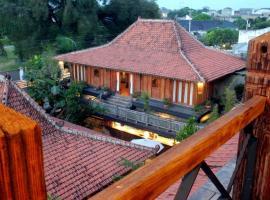 Omah Sinten Heritage Hotel & Resto