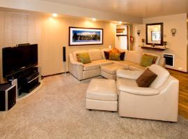 Horizons 4 #183 - Two Bedroom Condo