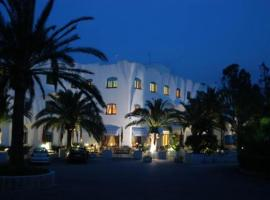 Hotel Azzolini, Carini