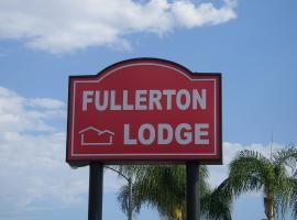 Fullerton Lodge, Fullerton