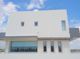 T&E Villa, Larnaka