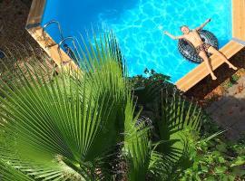 Loft petite piscine commune, Saint-Thibéry