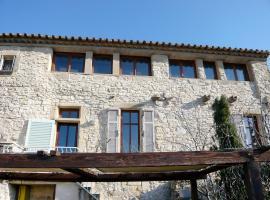 Holiday home Quartier du Chateau Valliguieres, Castillon-du-Gard