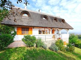 Holiday Home Balaton H612, Lesencetomaj