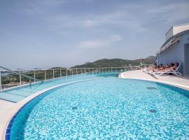 Hotel Villa Paradiso, Zaton