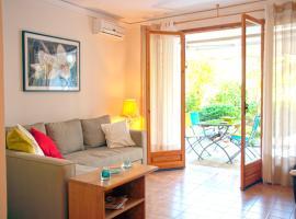 One-Bedroom Apartment-Vouliagmeni