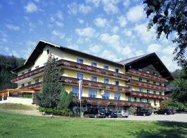 Hotel Schneeweiss, Аттерзе