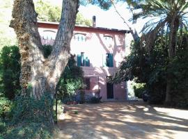 La Casa Rosa, Camporosso