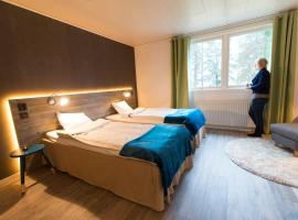 Pine Bay Lodge, Persön