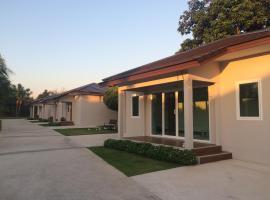The Brass Villa Garden Resort, Sattahip