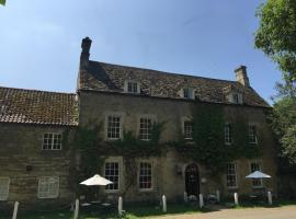The Fox and Hounds, 奧克姆
