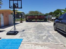 Casa Playa Combate, Pole Ojea