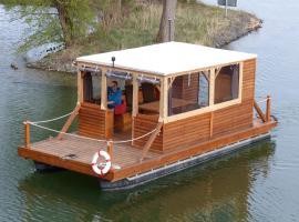 Hausboot auf dem Schweriner See, Schwerin