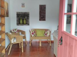 Paradise House, Furnas