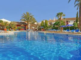 Infiniti Beach Resort, Vera
