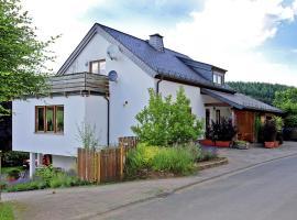 Holiday home Ferienwohnung Flucke Iii, Balesfeld