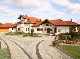 Villa Polanowo, Powidz
