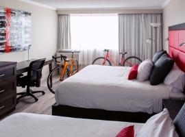 Hotel Universel, Alma