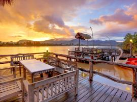 Natural Bungalows Restaurant And Bar 3 Stars This Is A Preferred Property They Provide Excellent Service Great Value Have Awesome Reviews From