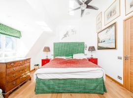 Veeve - Artist's Studio - Two Bedroom in Chelsea, London
