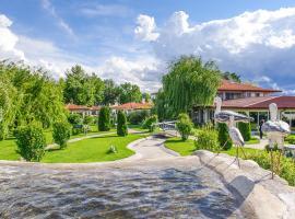 Yaev Hotel, Karlovo