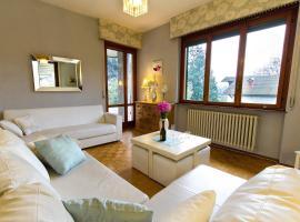 Connie's apartment,  Monvalle