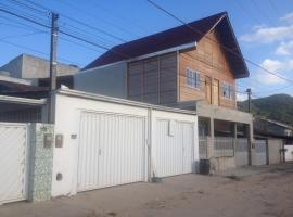 Kitinete, Camboriú