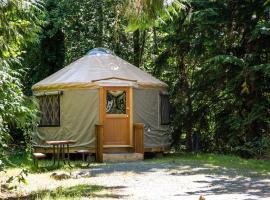 Mount Vernon Camping Resort 16 ft. Yurt 6, Bow
