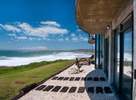 On The Rocks Beach House, Glengariff
