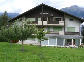 Diana Apartment, Eischoll