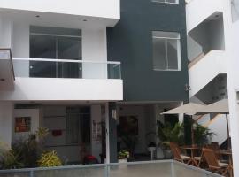 Ozy Retreat, Punta Hermosa