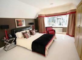 Yewlands House, Hoddesdon