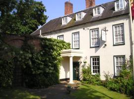 Chapel House, 애더스톤