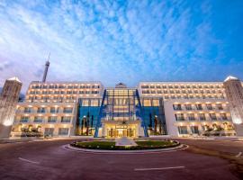 Grand Luxor All Suites Hotel - Terra Mítica® Theme Park