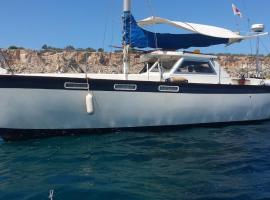 Ta Xbiex Marina Yacht, Il-Gżira