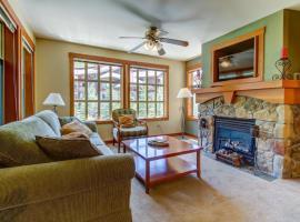 Eagle Springs West 306: Wild Begonia Suite, Solitude