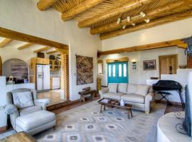 Belleza de Taos Three-bedroom Holiday Home, Taos