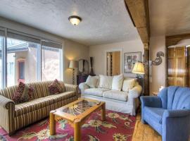 Casita Valverde Two-bedroom Condo, Taos