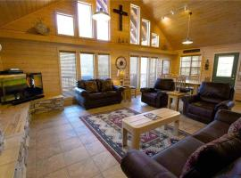"Wine ""N"" Pines Two-bedroom Holiday Home, Ruidoso"