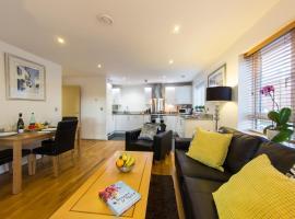 Borehamwood - Spacious Apartment, Borehamwood