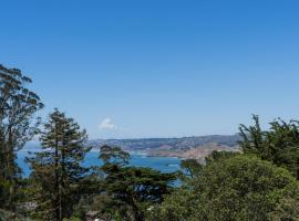 Grand House with a view, Pacifica