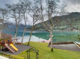 Lake Crescent Private Beach Splendor, Piedmont