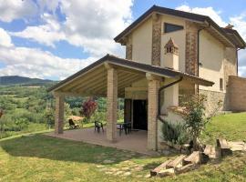 Villa Luca, Caminata
