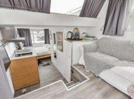 Modern Boathouse close to Amsterdam and Haarlem, Lijnden