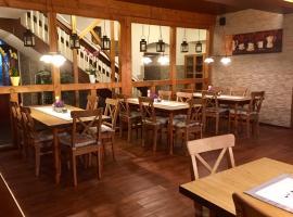 Nickels & Dimes Hotel & Restaurant, Werneck