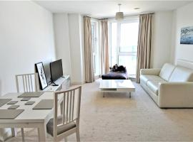 Home Hub - Ocean Village Apartment, Southampton