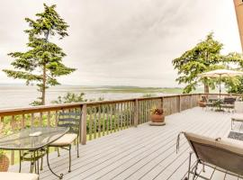 The Warm Beach Waterfront House on the Puget Sound, Stanwood