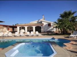 Villa con piscina, Flumini di Quartu
