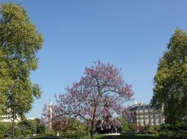 Paris-Cosy studio