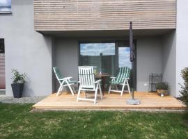 Schicke Einliegerwohnung mit Blicklage, Leonberg